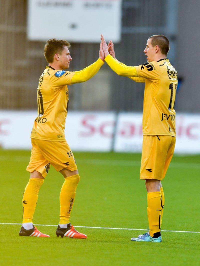 Rusland Babenko og Milan Jevtovic sammen i helgult under 3-1-seieren mot Stabæk i 2016. Foto: Kent Even Grundstad